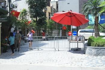 Phong tỏa chung cư có ca dương tính với SARS-CoV-2 tại Hà Nội