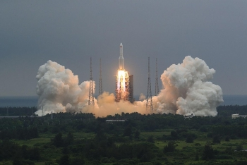 Không xác định được nơi mảnh vỡ tên lửa Trung Quốc sắp rơi xuống Trái Đất