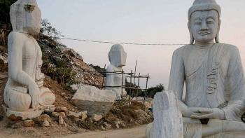 Quân đội Myanmar xây tượng Phật lớn nhất thế giới giữa khủng hoảng