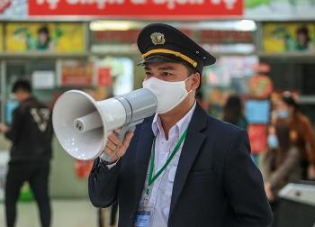Hà Nội: Người từ Đà Nẵng về chỉ ra ngoài khi thật cần thiết