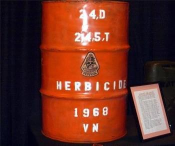 Chất độc da cam có màu gì, vì sao Mỹ sử dụng trong chiến tranh Việt Nam?