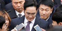 Vừa ra tù, người thừa kế Samsung tiếp tục vướng vòng lao lý