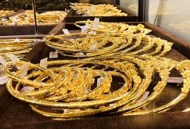 Giá vàng trong nước lại vượt 56 triệu đồng/lượng, vàng thế giới tăng mạnh