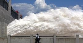 Vỡ đê sông Trường Giang, Trung Quốc sơ tán hơn 9000 người