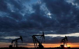 Giá xăng dầu hôm nay 17/7: OPEC kích cầu, cắt giảm sản lượng