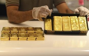 Giá vàng từ 62 rơi xuống 53 triệu đồng, chuyên gia cảnh báo mất vài tháng mới hồi phục