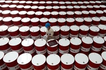 Giá xăng dầu hôm nay (31/7): Dầu thô đi xuống khi lượng dự trữ giảm