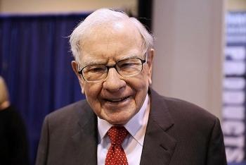 Giá vàng thế giới hôm nay 16/8: Tỷ Warren Buffett mua vàng, nhà đầu tư vẫn hoang mang