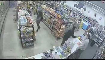 Video: Hài hước tình huống kẻ trộm bất ngờ trở thành