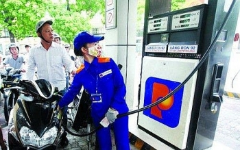 Giá xăng dầu hôm nay (23/9): Giảm về mốc dưới 42 USD/thùng