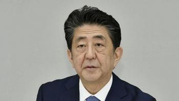 Thủ tướng Nhật Bản Shinzo Abe đến bệnh viện sau tuyên bố từ chức