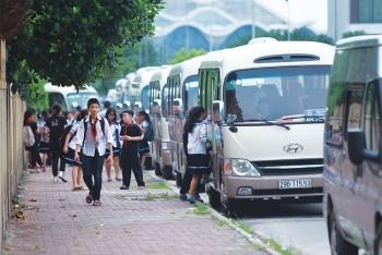Hà Nội rà soát xe đưa đón học sinh sau vụ học sinh bị bỏ quên trên xe