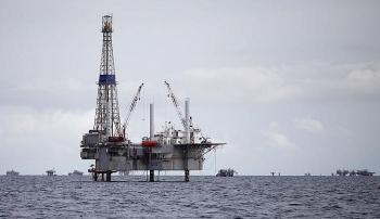 Giá xăng dầu hôm nay (22/10): Dầu thô đi ngang trước nhiều diễn biến phức tạp