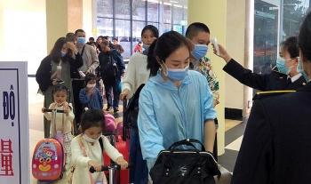 Bộ Y tế ban hành hướng dẫn tạm thời việc giám sát người nhập cảnh vào Việt Nam