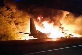 Ukraine: 22 người thiệt mạng do máy bay quân sự rơi