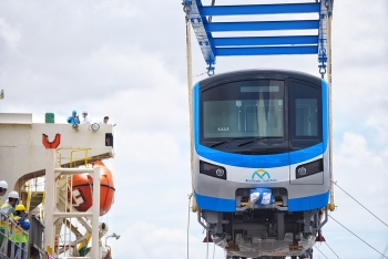 Đoàn tàu metro số 1 đã về tới TP HCM