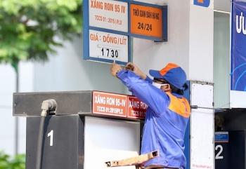 Giá xăng dầu hôm nay (13/10): Xăng dầu trong nước tăng nhẹ