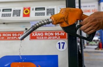 Giá xăng dầu hôm nay (28/12): Dầu thô đồng loạt giảm trong đầu tuần