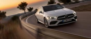 Mercedes-Benz giữ vững ngôi vị số 2 trong TOP 15 thương hiệu ô tô giá trị nhất thế giới
