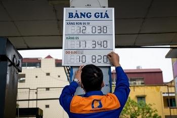 Giá xăng giảm gần 200 đồng/lít từ chiều 27/10/2020