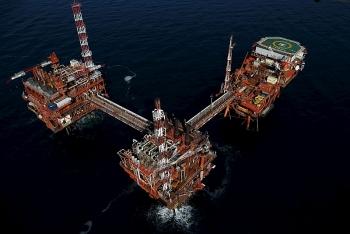 Giá xăng dầu hôm nay (28/10): Xăng trong nước tăng giá, dầu đi xuống