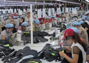 Trung Quốc tiếp tục là đối tác thương mại lớn nhất của Việt Nam