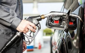 Giá xăng dầu tuần tới (28/12/2020-3/1/2021): Giảm do diễn biến dịch COVID-19 xấu đi?