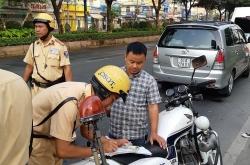 Mức xử phạt lỗi không có giấy phép lái xe mới nhất năm 2020