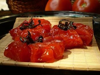Cách làm mứt cà chua dẻo ngon chuẩn bị đón Tết Tân Sửu 2021