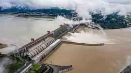 Mực nước đập Tam Hiệp vượt mức cảnh báo hơn 10m, Trung Quốc chuẩn bị hứng lũ lớn trong tối nay