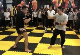 Video: Cựu Tổng đà chủ Vịnh Xuân Nam Anh bị võ sĩ nghiệp dư hạ knock-out