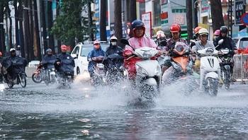 Bản tin thời tiết ngày 17/8: Mưa dông trên cả nước, Trung Bộ xuất hiện nắng nóng