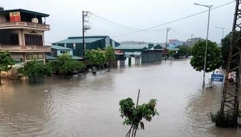 Bản tin thời tiết hôm nay (18/8): Hà Nội và Bắc Bộ mưa to đến rất to gây ngập lụt nhiều nơi