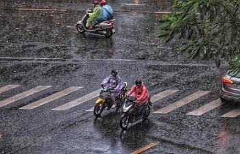 Thời tiết 18/9: Gió mùa đông bắc tràn vào miền Bắc, Trung Bộ gồng mình chống bão số 5