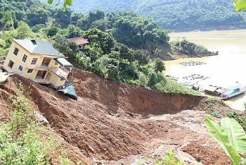 Thời tiết 28/9: Mưa lớn ở nhiểu nơi, Bắc Bộ đề phòng sạt lở đất