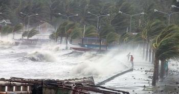 Bão số 7 (NANGKA) cách quần đảo Hoàng Sa khoảng 350km, gió giật cấp 12