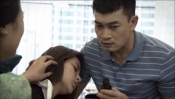 Lửa ấm - Tập 10 (tối 14/10): Nạn nhân vụ hỏa hoạn tự sát để mong được gặp Minh