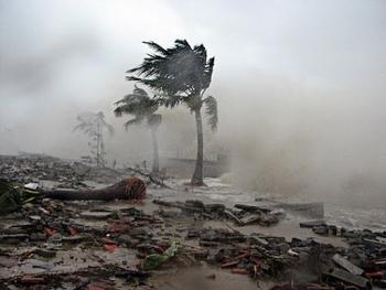 Bão số 7 đổ bộ vào đất liền gây mưa lớn, suy yếu thành áp thấp nhiệt đới