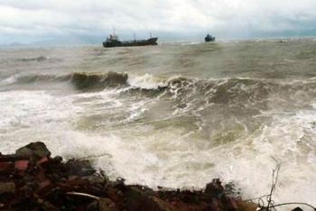 Tin áp thấp nhiệt đới: 24 giờ tới vào biển Đông, gió giật cấp 10