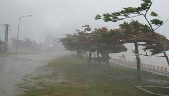 Diễn biến áp thấp nhiệt đới: Đi vào đất liền trong đêm 16/10, gió giật cấp 8