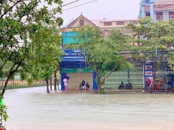Thời tiết đêm 18 ngày 19/10: Cảnh báo lũ quét, sạt lở đất và ngập úng ở các tỉnh Trung Bộ