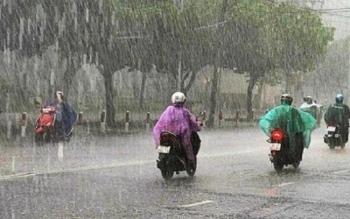 Thời tiết 26/10: Bắc Bộ mưa lạnh, Trung Bộ gồng mình chống bão