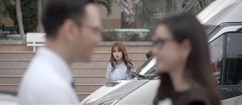 Trói buộc yêu thương - Tập 21 (tối 4/11): Thanh nhìn thấy chồng tình tứ cùng bạn gái cũ của em trai