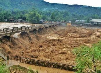 Thời tiết 6/11: Trung Bộ mưa lớn nguy cơ xảy ra lũ quét