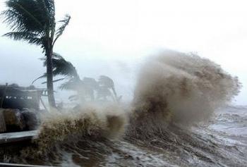 Diễn biến mới bão số 12: Đảo Lý Sơn gió giật cấp 9, Huế đến Khánh Hòa mưa rất to