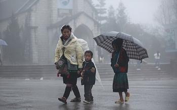 Thời tiết 15/11: Ảnh hưởng bão số 13 kết hợp không khí lạnh, mưa lớn kéo dài từ Trung ra Bắc