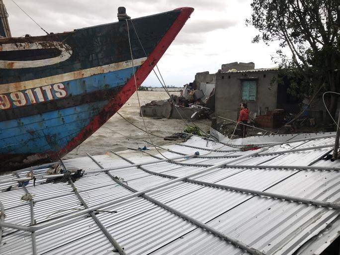 Huế cây đổ, nhà tốc mái trước thềm bão số 13