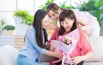 Những món quà tặng mẹ ngày nhà giáo Việt nam 20/11 ý nghĩa nhất