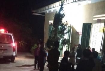 Nữ giáo viên tử vong trong tư thế treo cổ cạnh thi thể con trai