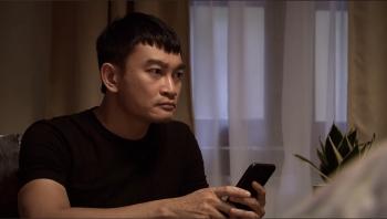 Lửa ấm - Tập 42 (tối 27/11): Thấy Thuỷ vào khách sạn với Khánh, Minh đùng đùng đòi ly hôn